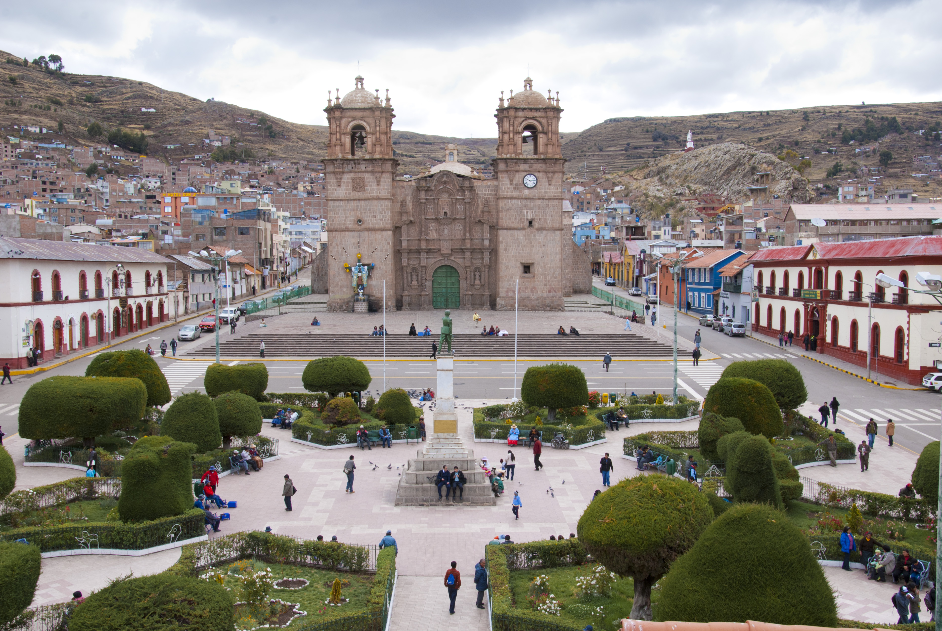 Chile - Bolívia - Peru körutazás: Puno főtér