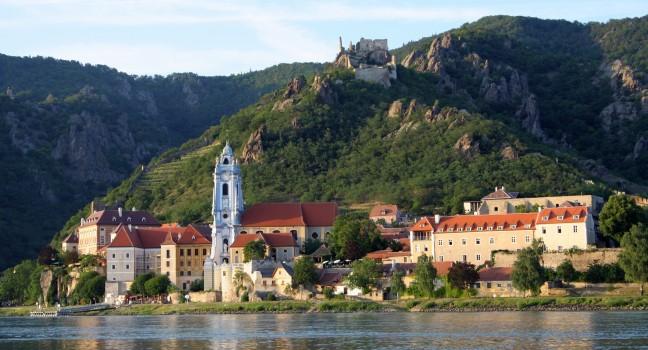 Budapest - Passau - Regensburg - Budapest dunai hajóutak: Dürnstein