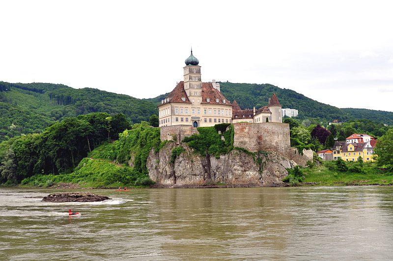 Budapest - Passau dunai hajóút: Ausztria - Wachau - Szervita monostor