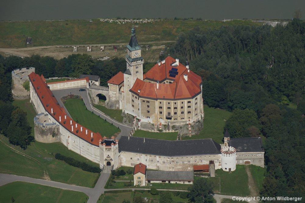 Budapest - Passau dunai hajóutak: Ausztria - Wallsee kastély