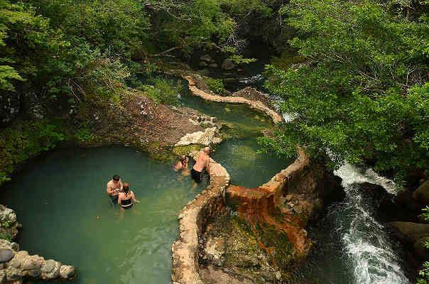 Szilveszter Costa Rica, Arenal meleg vízű fürdők