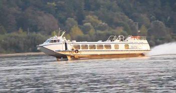 Budapest - Bécs hajóút: Bíbic szárnyashajó Nagymarosnál